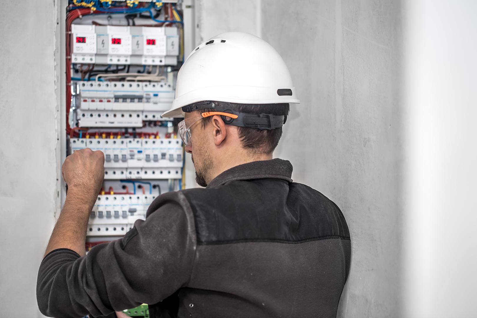 ¿Cómo cambiar la instalación eléctrica?